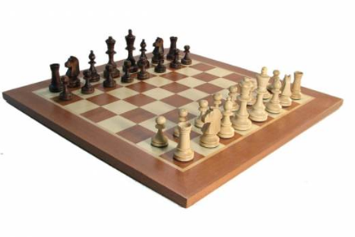 Medium Flat Wooden Chess Set w Storage Box