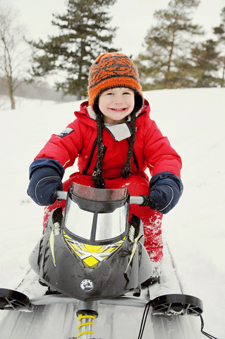 Tobogganing Mini's - Family Photographer