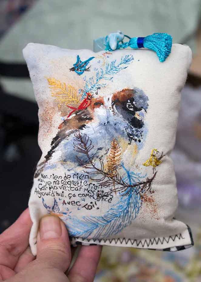 Little bird cushion decoration