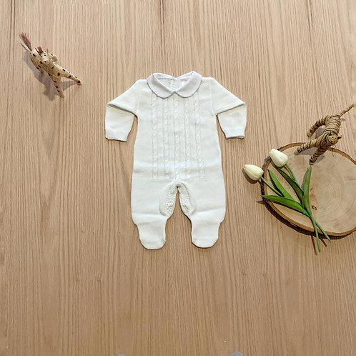 Mameluco para bebe Cuello Bordado en color Crudo