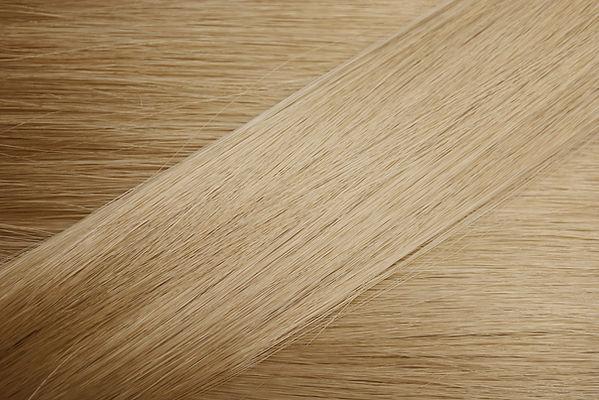 光ブロンド髪のサンプル