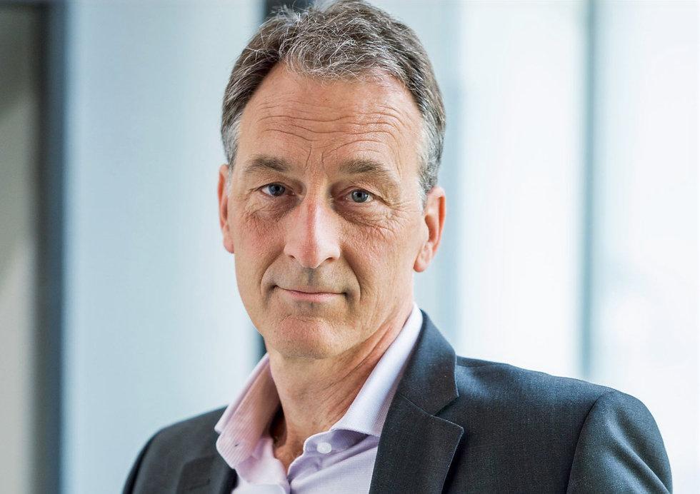 Werner Schneider Gründer von wi-r Hersteller für Produkte in der Werbetechnik wie Leuchtbuchstaben und Pylone