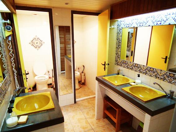 Toilettes et 2 WC