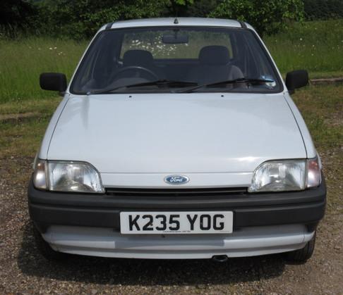 Ford Fiesta Van Front