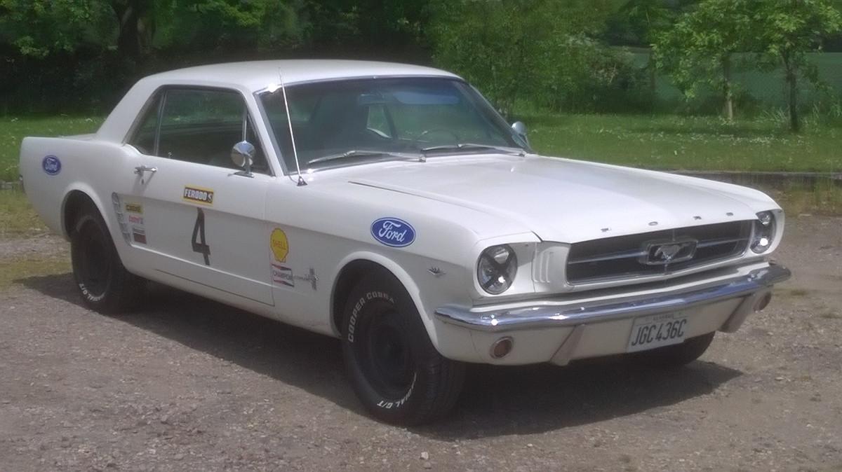 Mustang White 1965