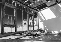 Cheryl Speechley Kolmanskop (5) LR AWM