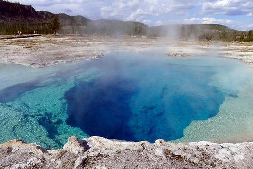 yellowstone crater