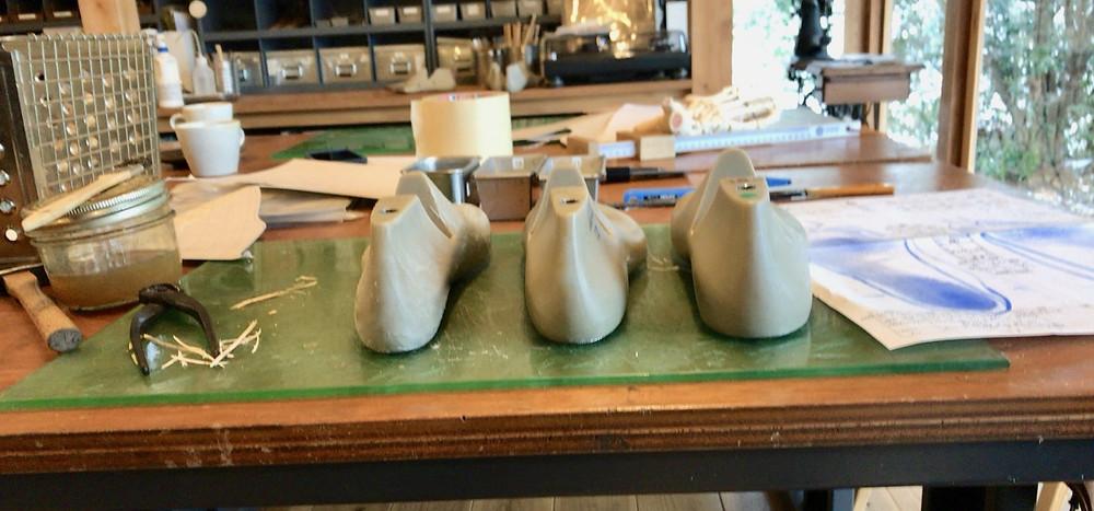 足に合わせる自分の靴用の木型