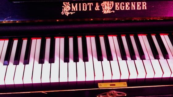 Pianonsoitto kehittää lievän aivovamman saaneiden tarkkaavaisuutta, oppimisstrategioita ja mieleen p