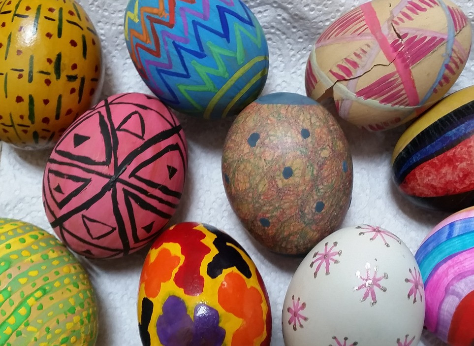 Eye-catching painted eggs