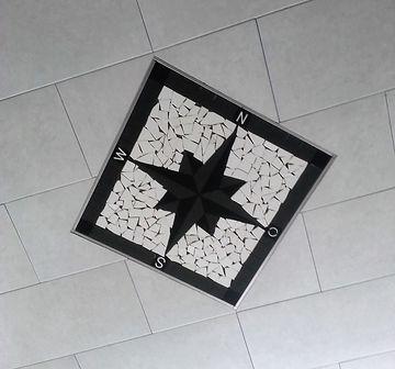 Kompas mit Edelstahlschienen.jpg