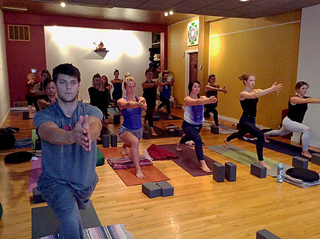 200 hour yoga teacher training fort collins crescent lunge