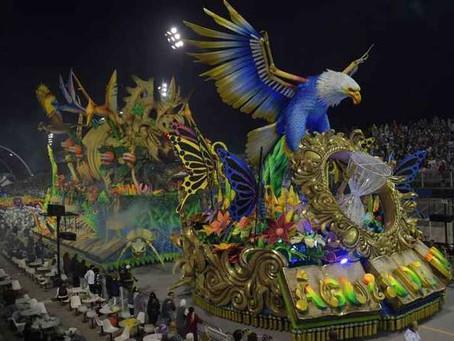 Águia de Ouro vence Carnaval de São Paulo com referência a Paulo Freire