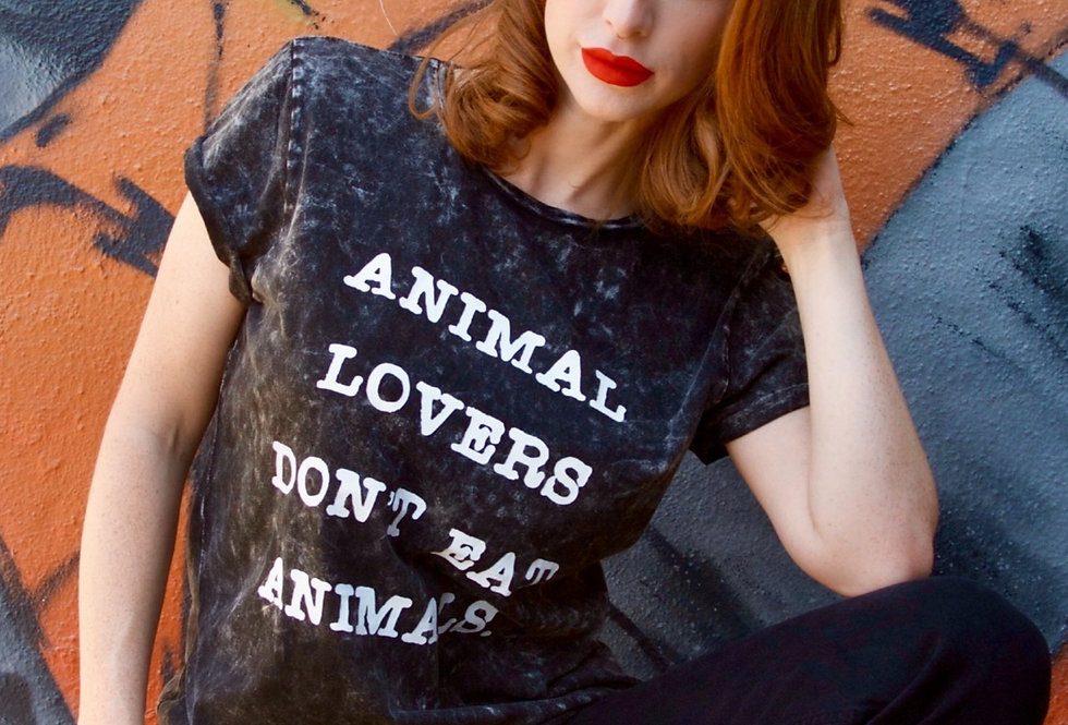 ANIMAL LOVERS DON'T EAT ANIMALS t-shirt -special edition