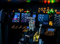 Throttle Quadrant Cockpit 1.jpg