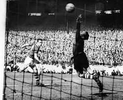 Leeds United 2 v Bristol Rovers 1 - 1956