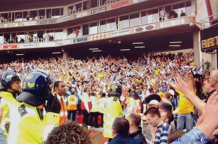 Leeds fans at Highbury 2003