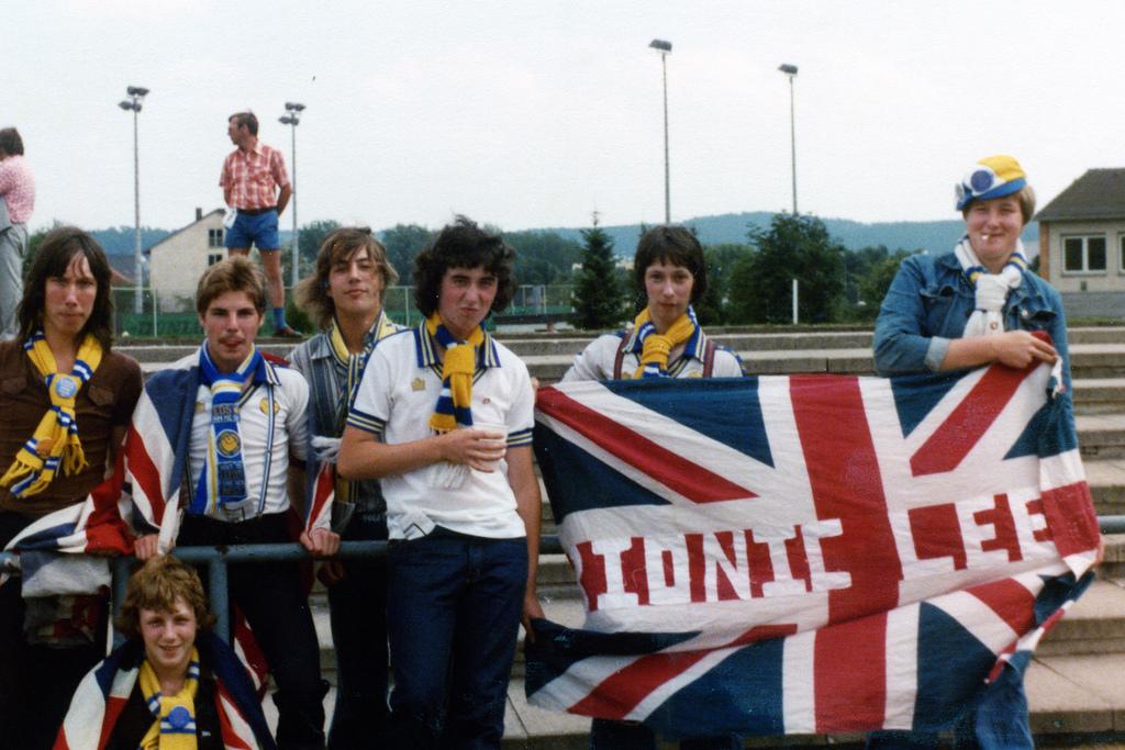 shalke 04 V  Leeds United