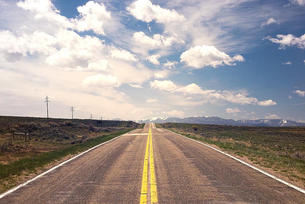 wolność finansowa i droga w stronę gór