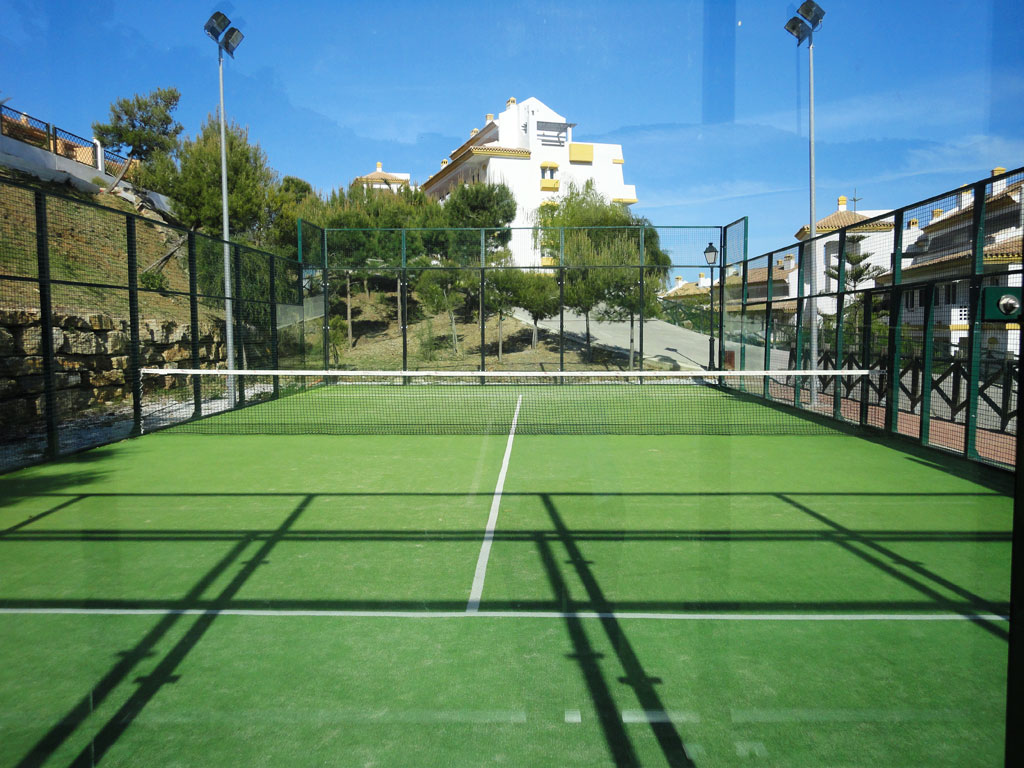 Paddle-tennis center La Cala Hills