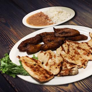 Alonsos Steak House00029.jpg