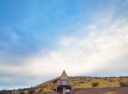 In to the desert A-frame house