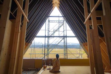 建設中のモデルハウス