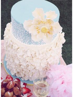 White Ruffle Lace Wedding Cake