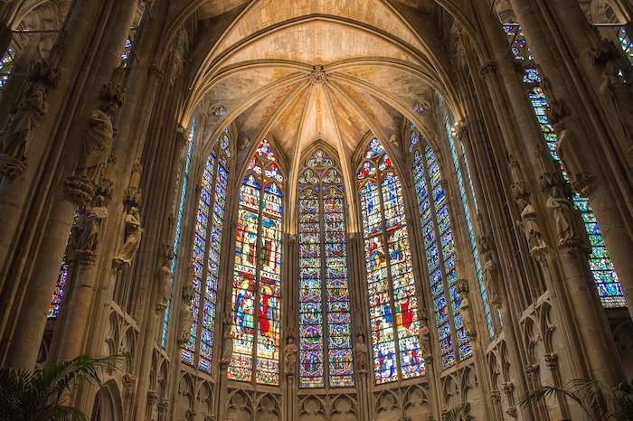 Carcassonne basilic.jpg