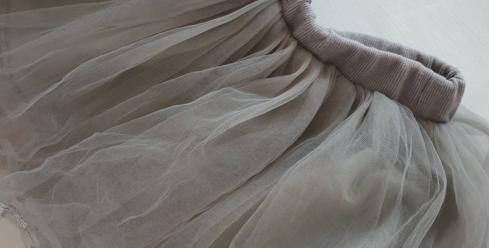 Strieborná tylová sukňa