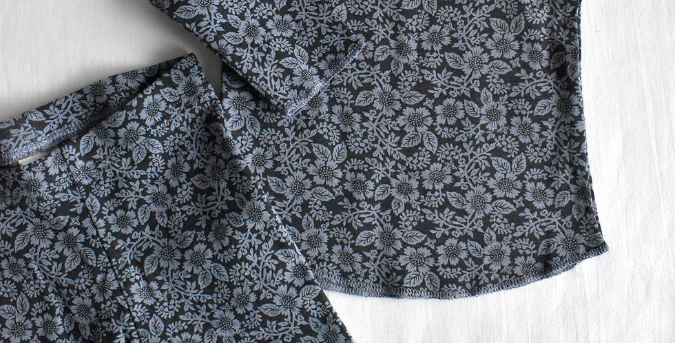 Modrá súprava s kvetmi z organickej bavlny