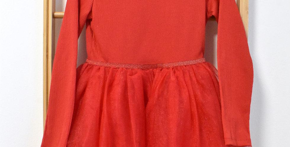 Červené tylové šaty s leskom