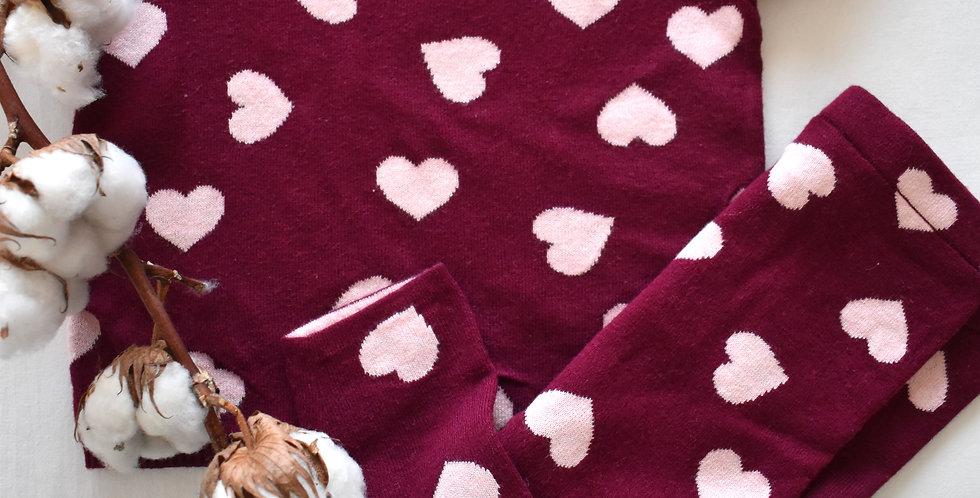 Tmavoružová pletená súprava s bledoružovými srdiečkami