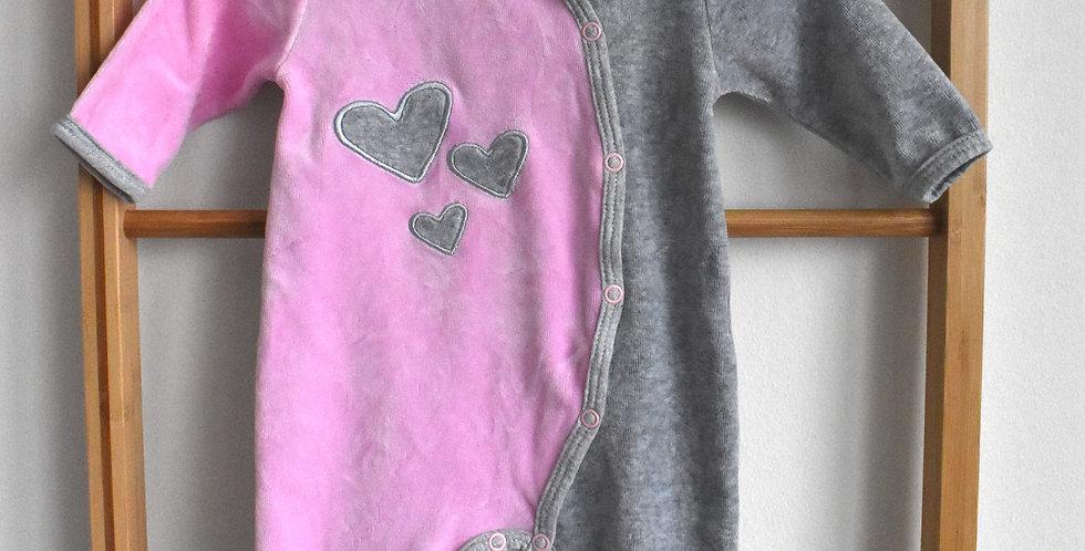 Zamatové pyžamko so srdiečkami
