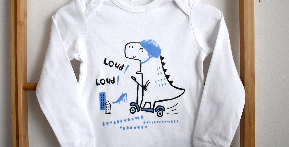 Body s dinosaurom na skateboarde