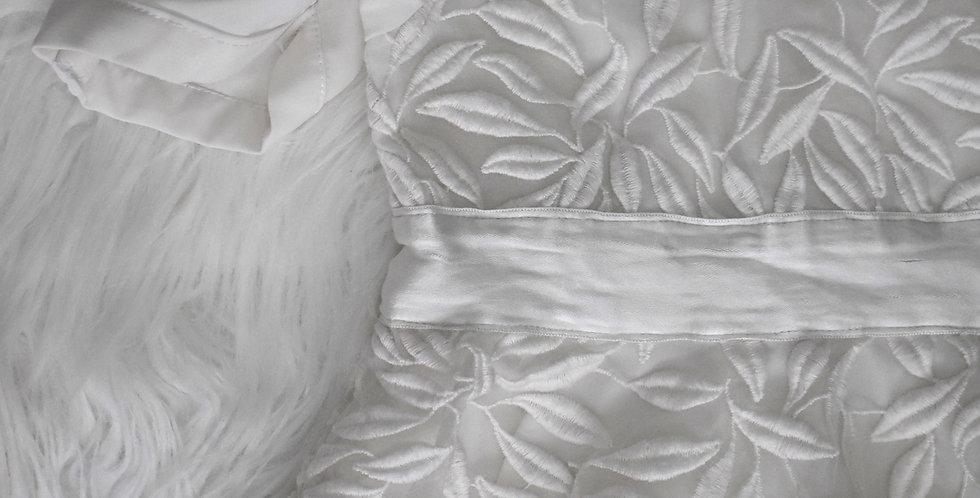 Biele slávnostné šaty