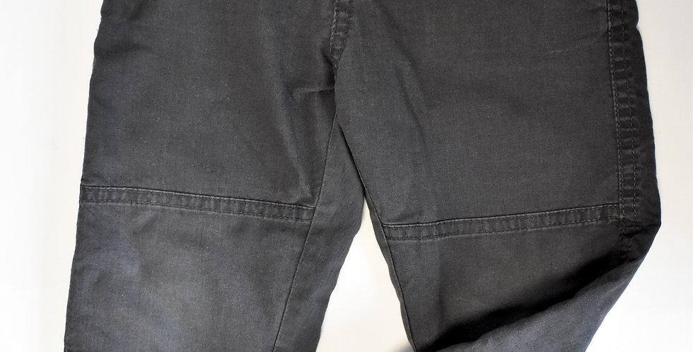 Tmavosivé nohavice