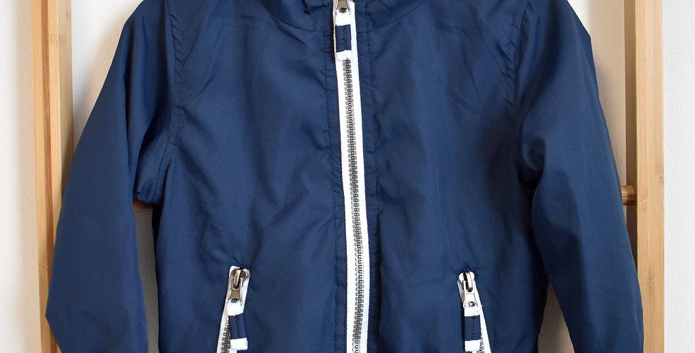 Tmavodmodrá tenkášušťáková bunda