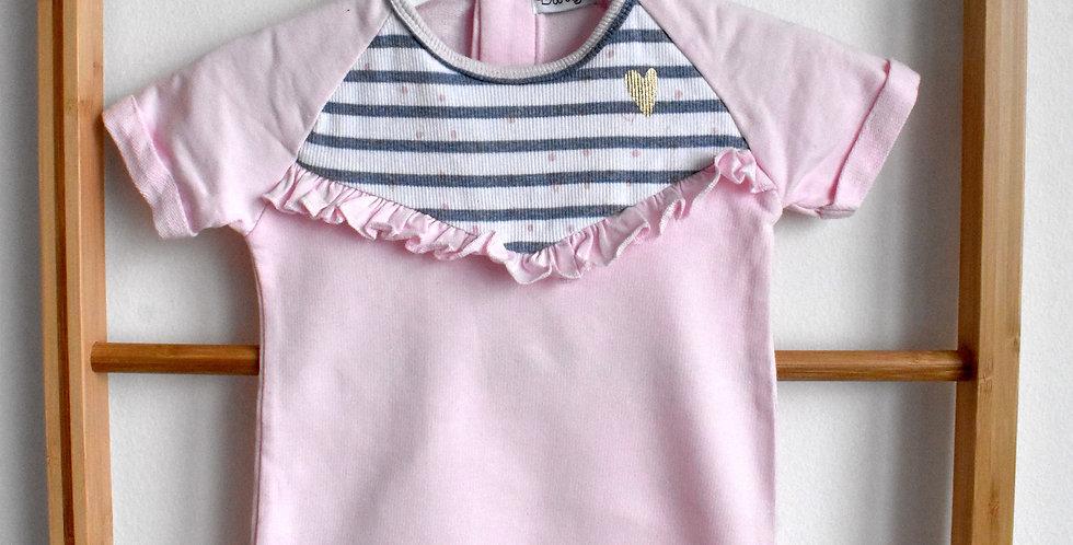 Ružové šaty s modrým vrškom a zlatým srdiečkom na hrudi