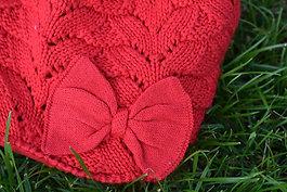 Červená čiapočka s mašličkou