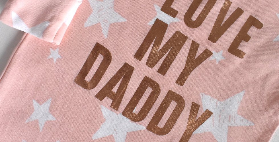 """Overal """"I love my daddy"""""""