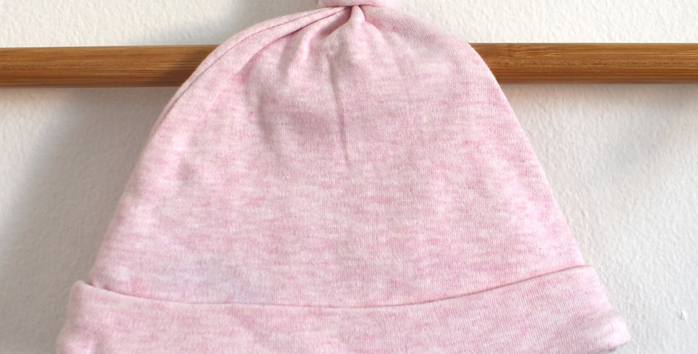 Ružová čiapka s uzlom