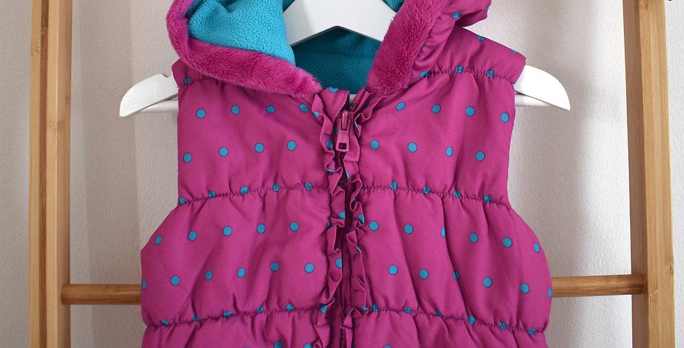 Ružová vesta s tyrkysovými bodkami