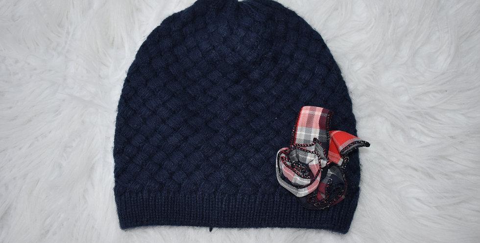 Pletená čiapka s károvaným detailom