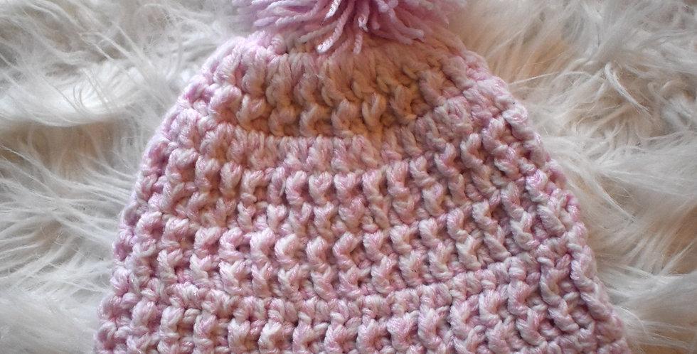 Pletená čapička s brmbolcom