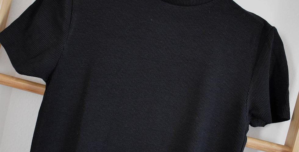 Čierne rolákové basic šaty s krátkym rukávom