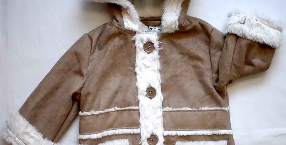 Tenký kožuštek s kapucňou