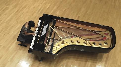 ホールでのピアノ録音