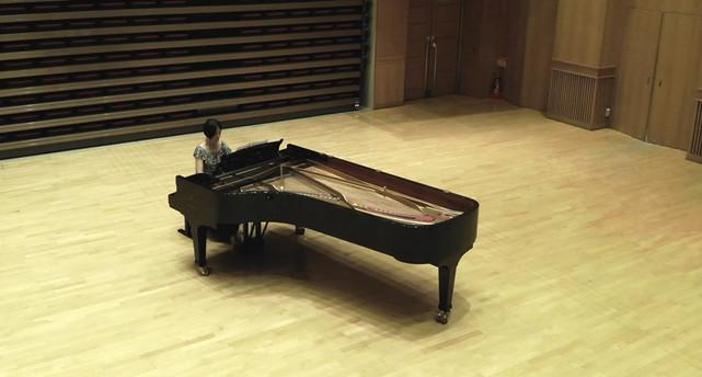 ピアノのドローン撮影