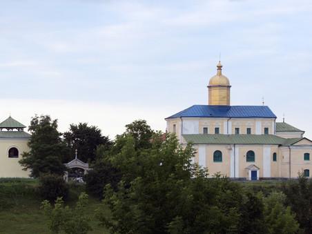 Їдемо в монастир
